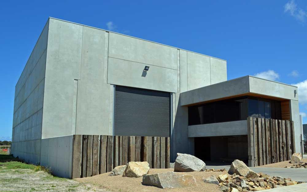 warehouse-with-garden